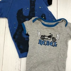BOYS 6-9MO 2PC REBEL/ROCKSTAR BUNDLE
